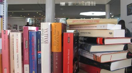 Großer Bücherflohmarkt